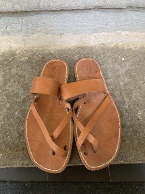 Sandalias romanas marrón-marrón claro