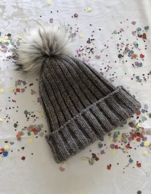 Cappello in pelliccia marrone-grigio Lana