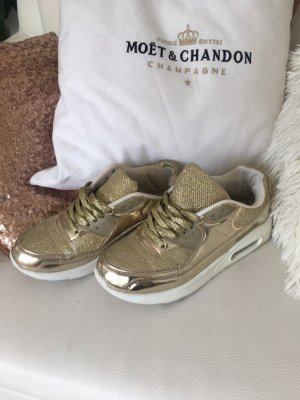 Wunderschöne neuwertige Sneakers
