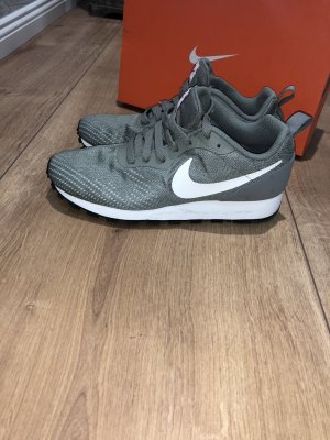 Wunderschöne Nike Sneakers zu verkaufen