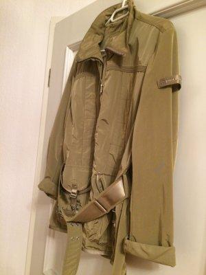 Wunderschöne olivgrüne Jacke der Firma Peuterey in Größe 42