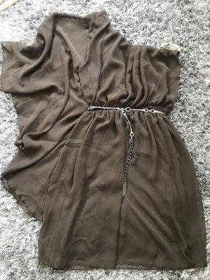 Wunderschöne One-Shoulder -Kleid