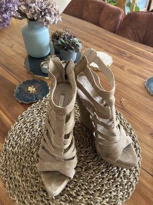 Wunderschöne Plateu Sandaletten echt Leder ZARA