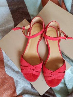 Wunderschöne rote Sandalen von Sezane