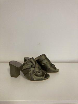 Wunderschöne Sandalen in Edler Satin-und Schleifenoptik