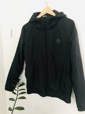 *Wunderschöne schwarze Jacke von BENCH*