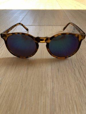 Wunderschöne Sonnenbrille Leo mit verspiegelten Gläsern