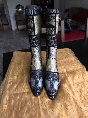 Wunderschöne Stiefel