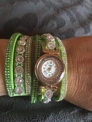 Reloj verde hierba