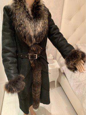 Manteau de fourrure noir-brun noir
