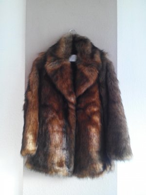 wunderschöner Mantel aus künstlichem Fell in braun, Grösse S