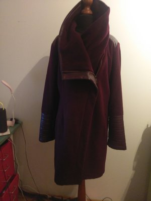 Wunderschöner Mantel von Belle Badgley Mischka!