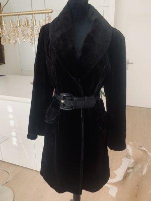 SAGA FURS Futrzany płaszcz czarny