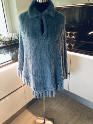 100% Fashion Cape cornflower blue fur