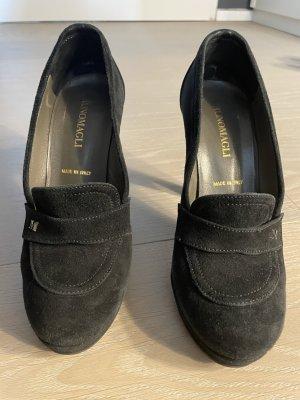 Bruno Magli Classic Court Shoe dark blue leather