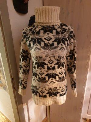 Wunderschöner richtig dicker Pullover