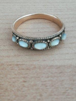 Wunderschöner Ring aus Bronze mit Weißopalen