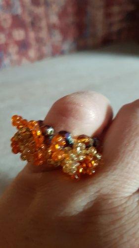 wunderschöner Ring aus Rocailles Glasperlen brauntöne