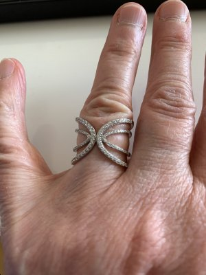Wunderschöner Ring Silber mit Schmucksteinen