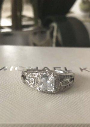 Wunderschöner Ring Zirkonia Gr. M. Neu