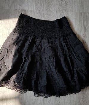 Wunderschöner schwarzer Rock von Amisu