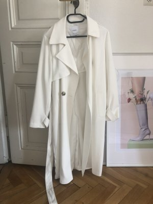 Wunderschöner weißer Trenchcoat