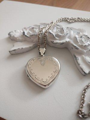 Wunderschönes Amulett, Herz, Anhänger und Kette, Echt Silber,sehr gut erhalten
