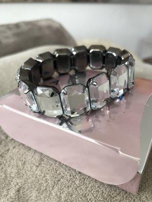 Wunderschönes Armband mit großen silberglänzenden Steinen