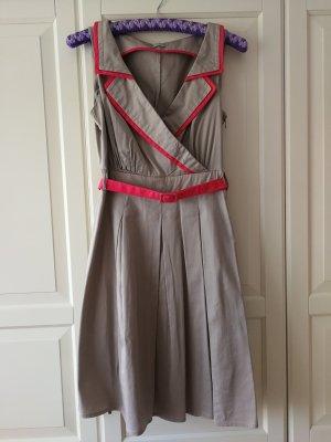Wunderschönes Beige Kleid