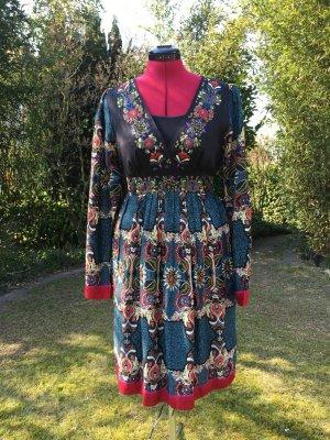 wunderschönes besticktes  Boho-Kleid