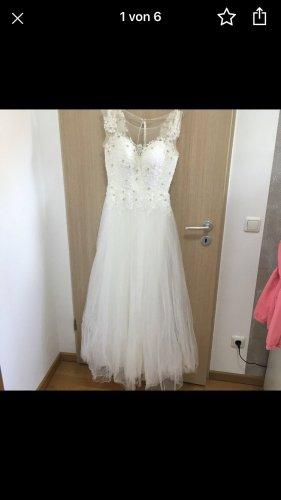 Wunderschönes Brautkleid Inkl Schleier & Unterrock