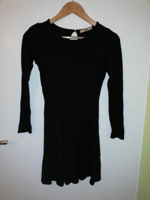 Wunderschönes figurbetonte schwarzes Kleid