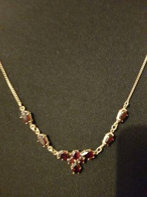 Gold Chain dark red