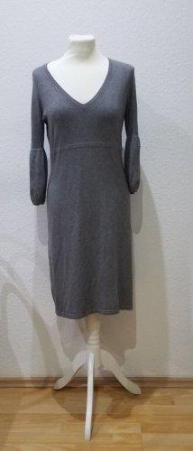 Wunderschönes graues Esprit Collection Strickkleid in Größe M, mit eleganten Ärmeln.