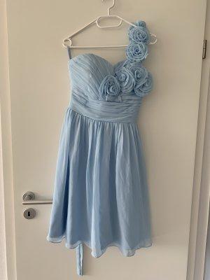 Wunderschönes, hellblaues Kleidchen