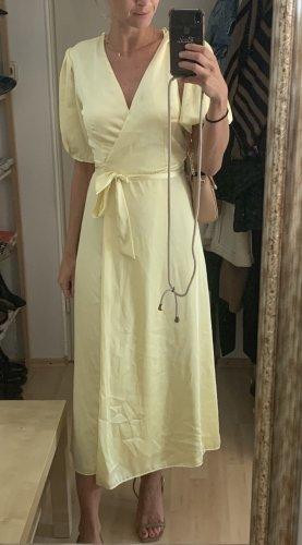 Wunderschönes hellgelbes Kleid von Zara