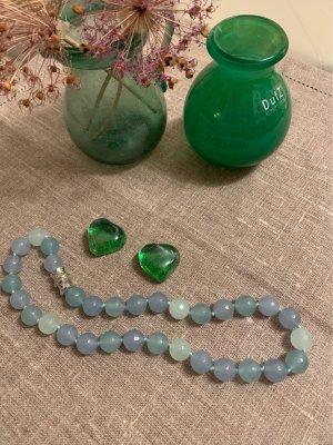 Wunderschönes Jadecollier