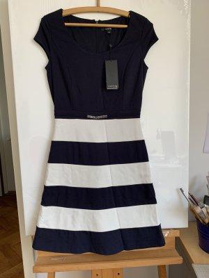 Wunderschönes Jersey-Sommerkleid von Comma, Gr.36, Neu