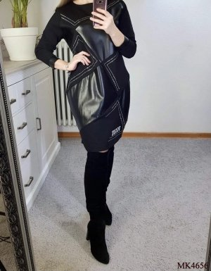 0039 Italy Vestido a media pierna negro