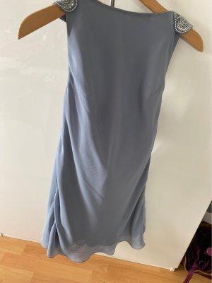 Wunderschönes Kleid mit Applikationen
