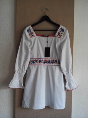 wunderschönes Kleid mit Blumenstickerei aus 100% Baumwolle, Größe 40, fällt wie 38 aus