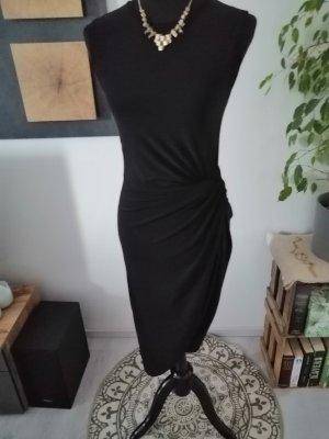 Wunderschönes Kleid mit Raffung