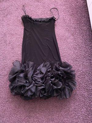 Wunderschönes Kleid mit Rüschen