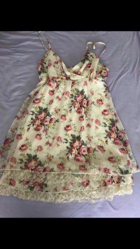 Wunderschönes Kleid mit spitze