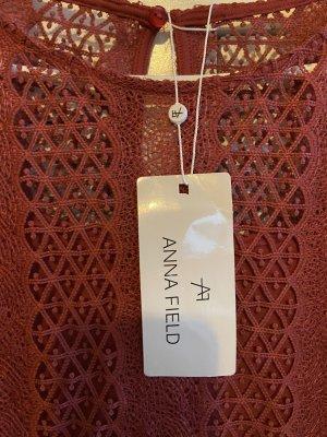 Wunderschönes Kleid mit Spitzen von Anna field