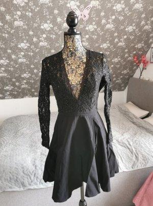 Wunderschönes Nlyone Cocktailkleid mit offenem Rücken und tiefen V-Ausschnitt in XS