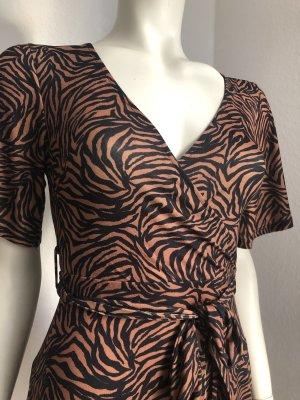 Wunderschönes, raffiniertes Kleid