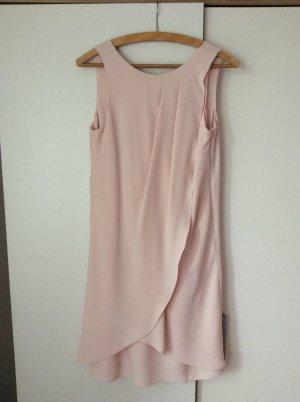 Wunderschönes rosafarbenes Kleid