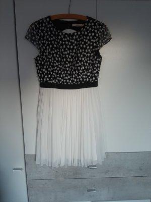 wunderschönes rückenfreies Kleid für festliche Anlässe