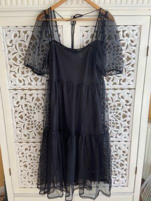 Wunderschönes schwarzes Kleid mit Tüll